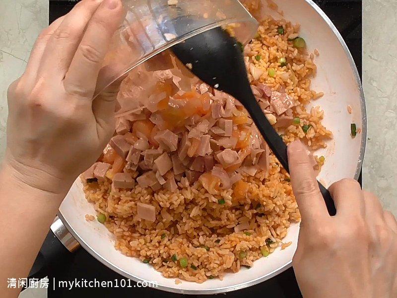 火腿番茄酱炒饭