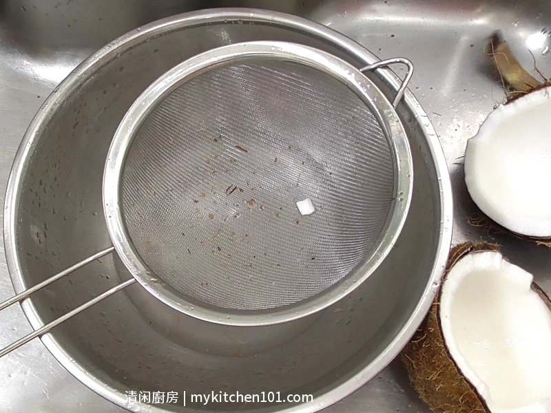 椰子泡参炖乌鸡