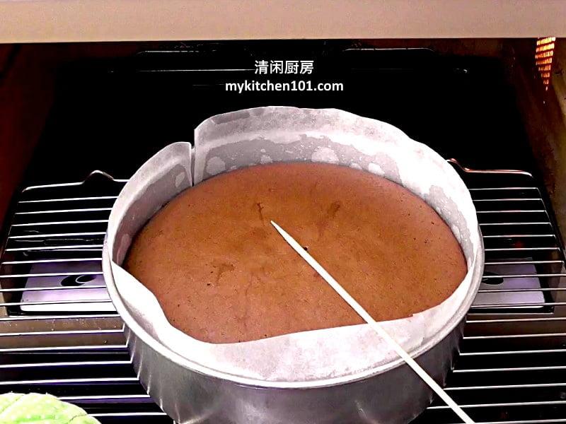 如何制作巧克力生日海绵蛋糕