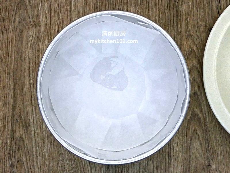 用白米制作kuih bengkang