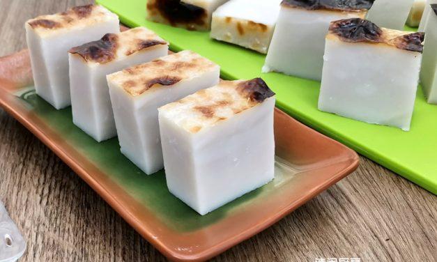 粘米粉版Kuih Bengkang (俗称:肥猪肉/猪油糕)