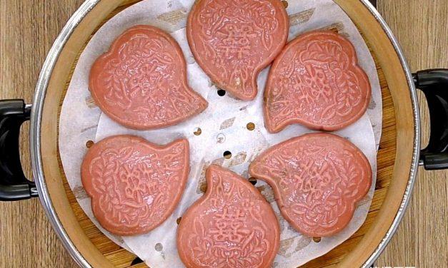 潮州紅桃粿/饭桃粿 (采用天然红色素)